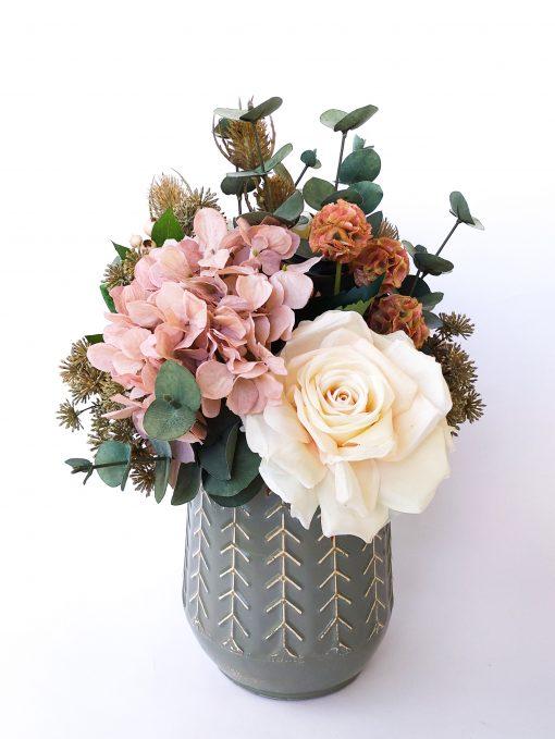 Dusty-pink-hydrangea-boho-arrangement