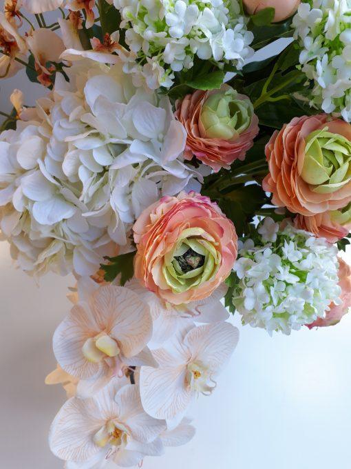 Hydrangea-Ranunculus-Arrangement