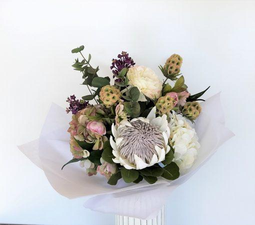 Hydranega-Lilac-Ranunculus-Bouquet