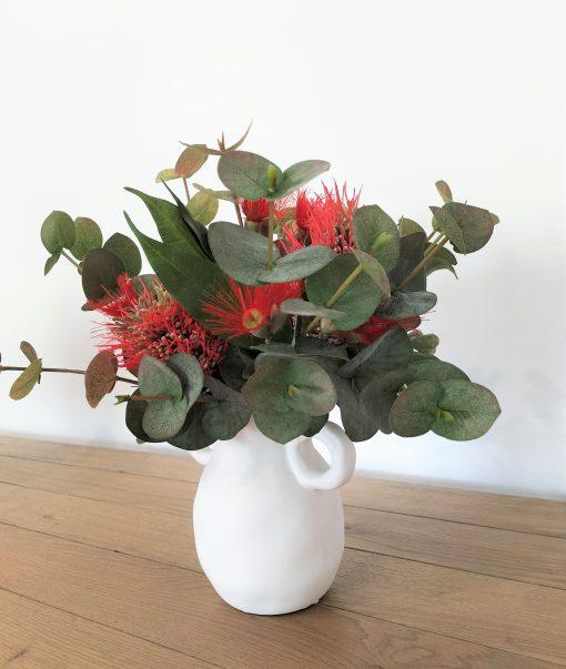 Small-christmas-flower-arrangement
