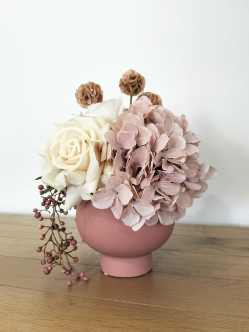pink-hydrange-vase-arrangement